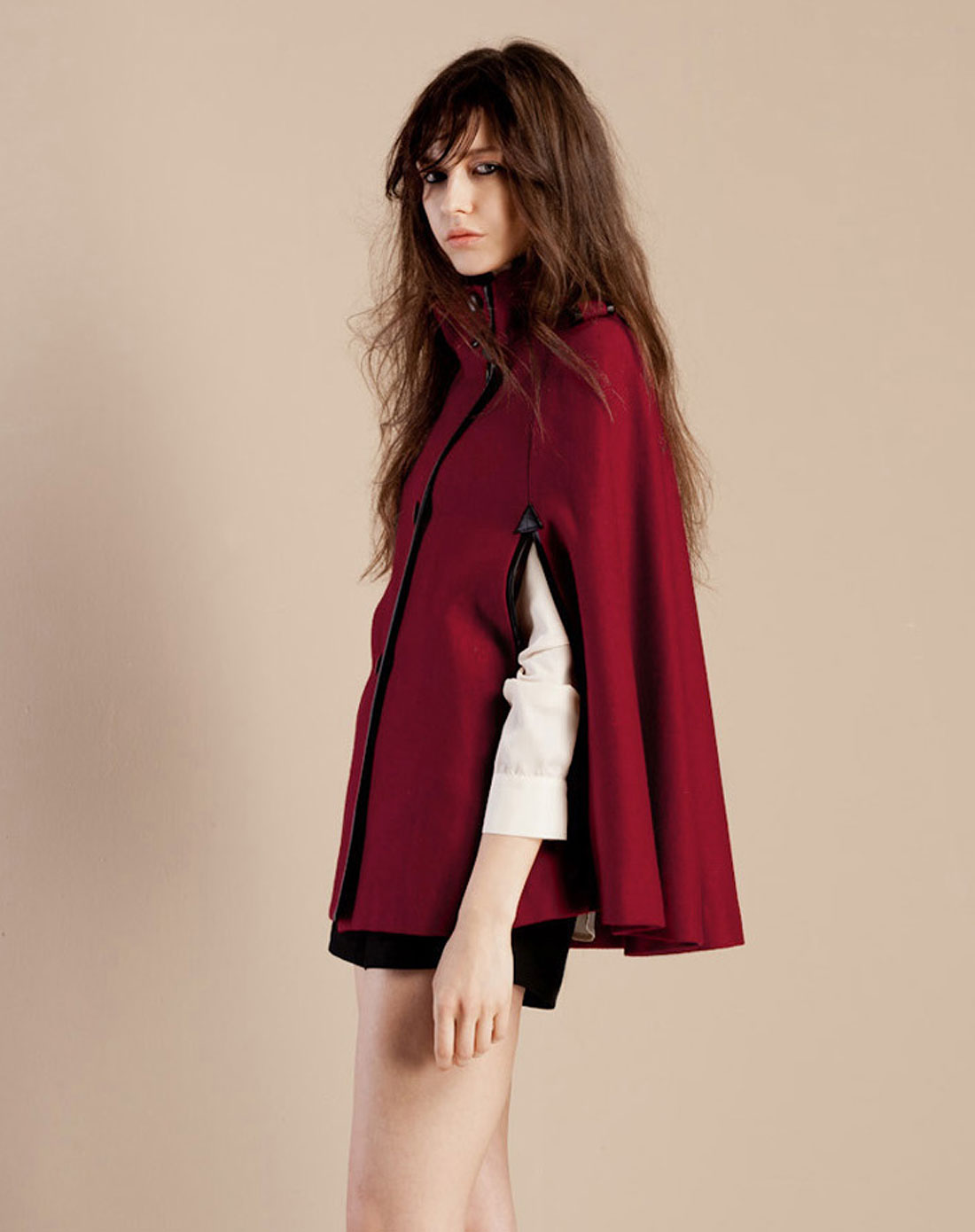 暗红色风衣怎么搭配