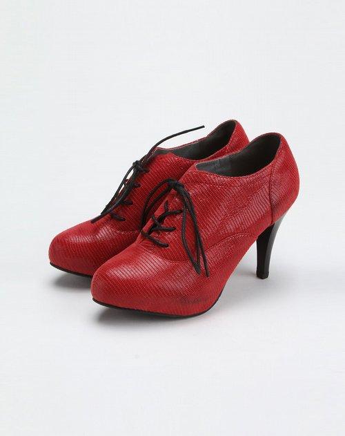 红色系带休闲高跟深口单鞋