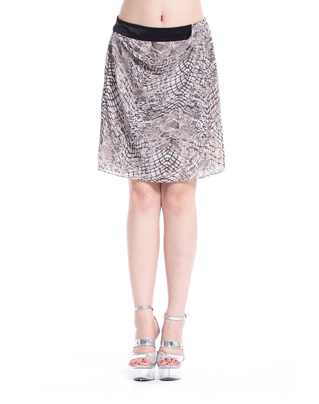 黑白花纹半裙