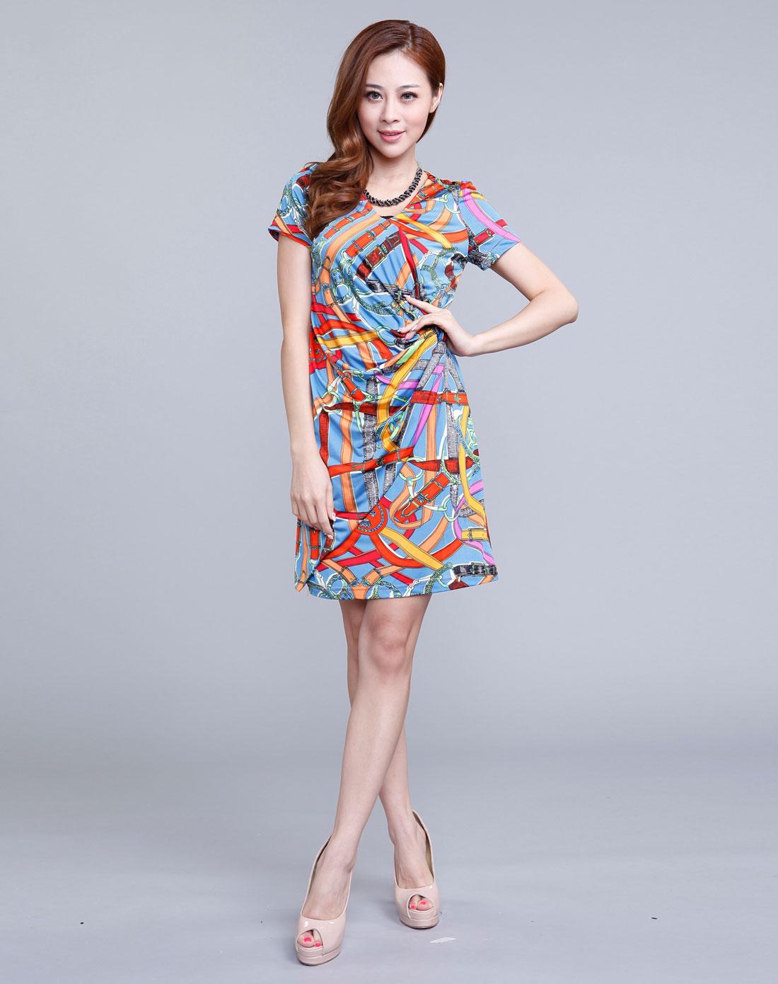 蓝色时尚个性复古花纹连衣裙