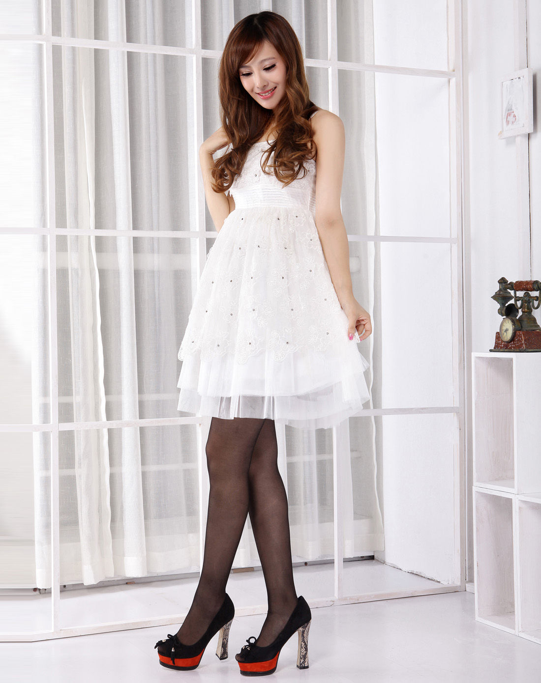 小礼服吊带连衣裙白色