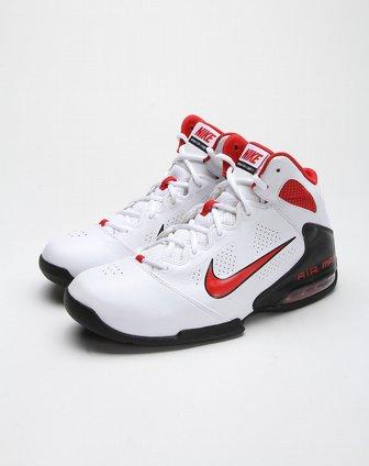 男款白底黑红色帅气时尚篮球鞋