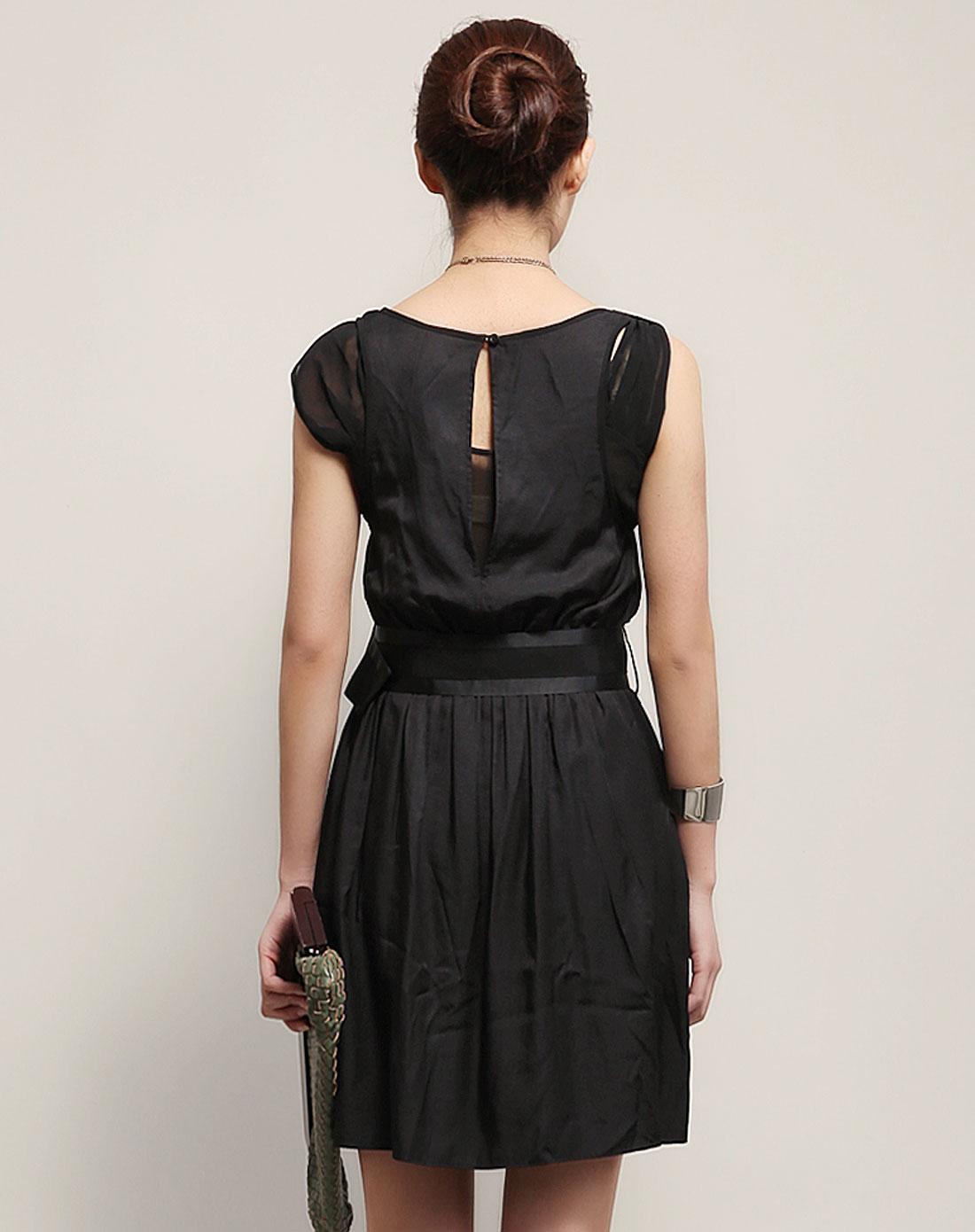 复古可爱连衣裙