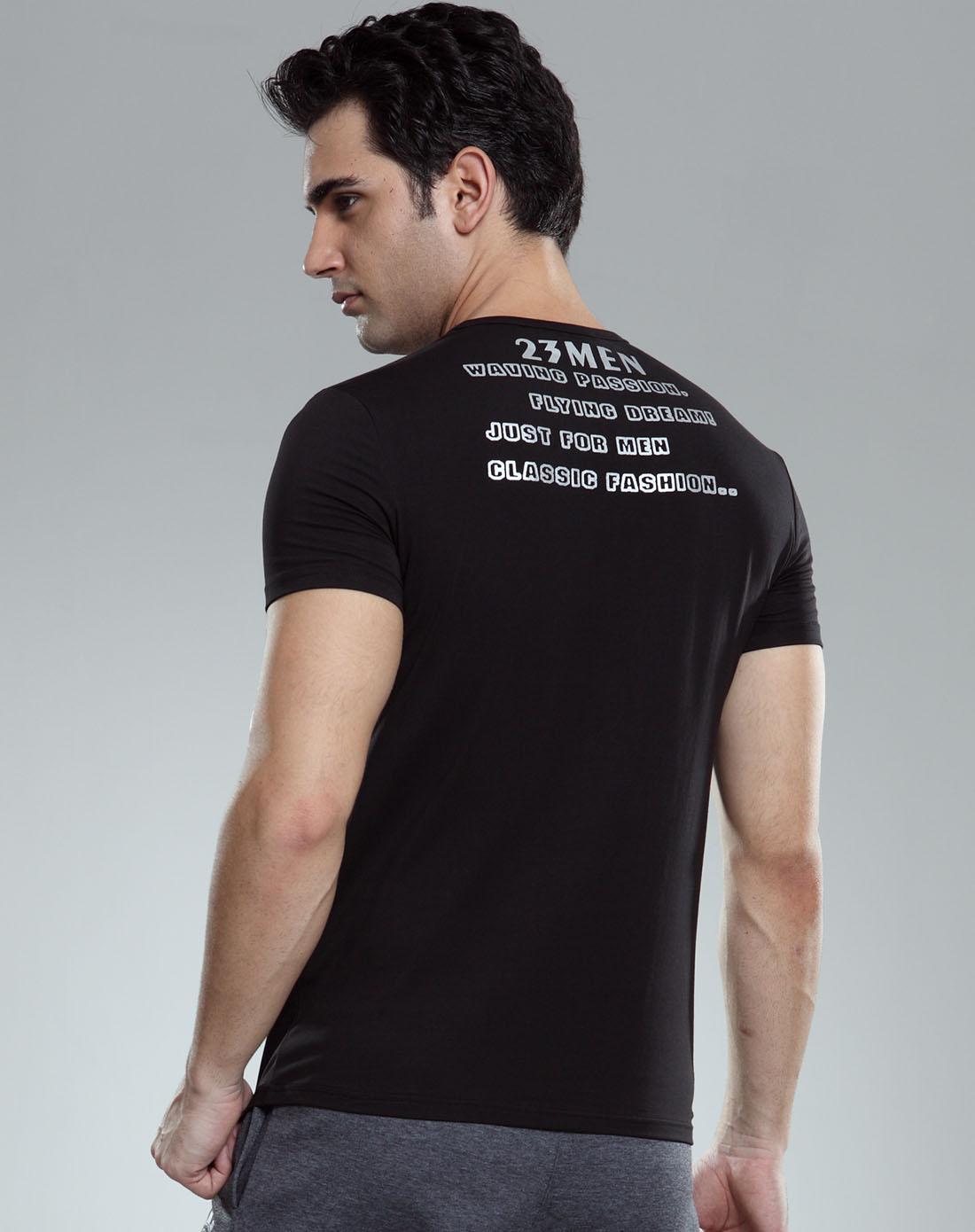 男款黑色v领后背印字短袖t恤