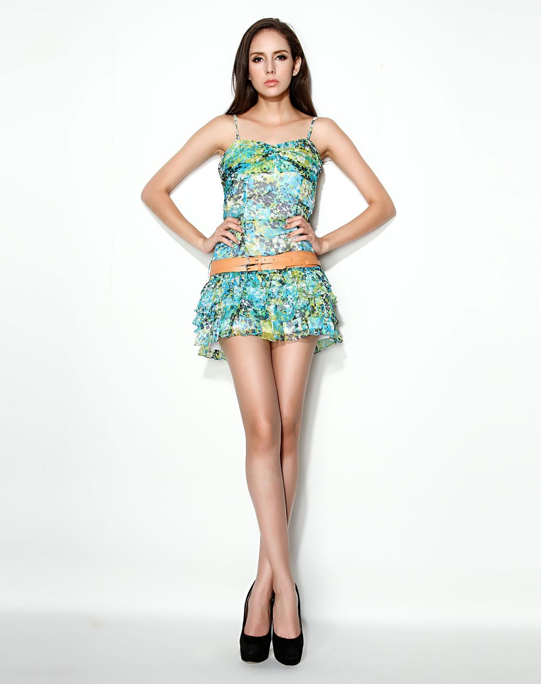 绿色清新花纹吊带真丝连衣裙