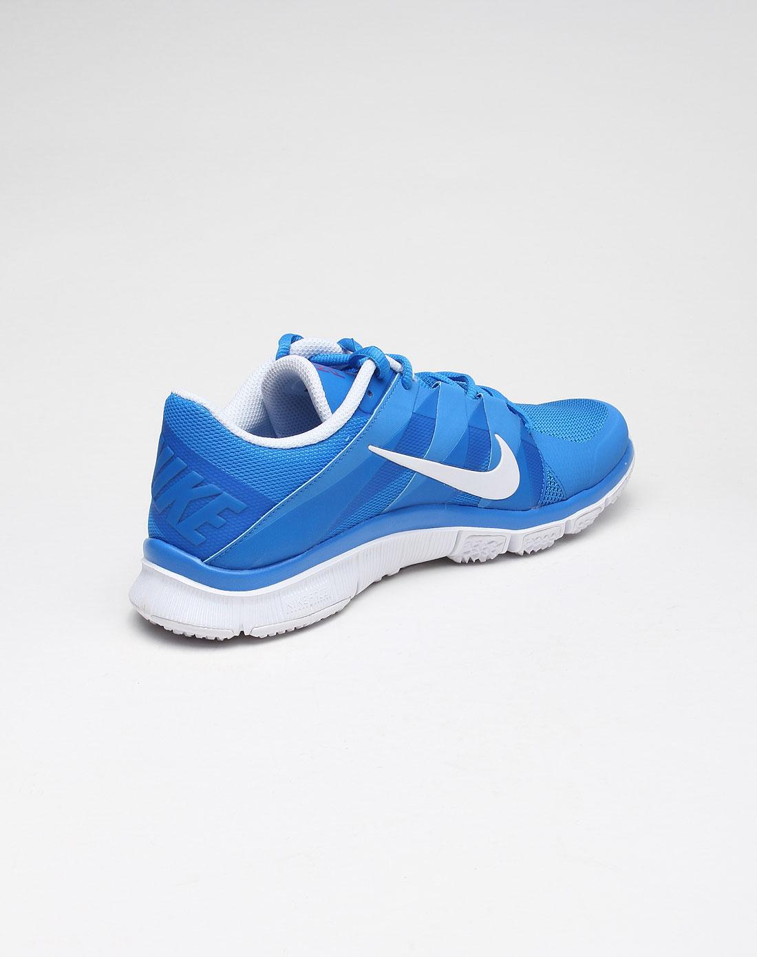男子舒适透气白底浅蓝色百搭运动鞋