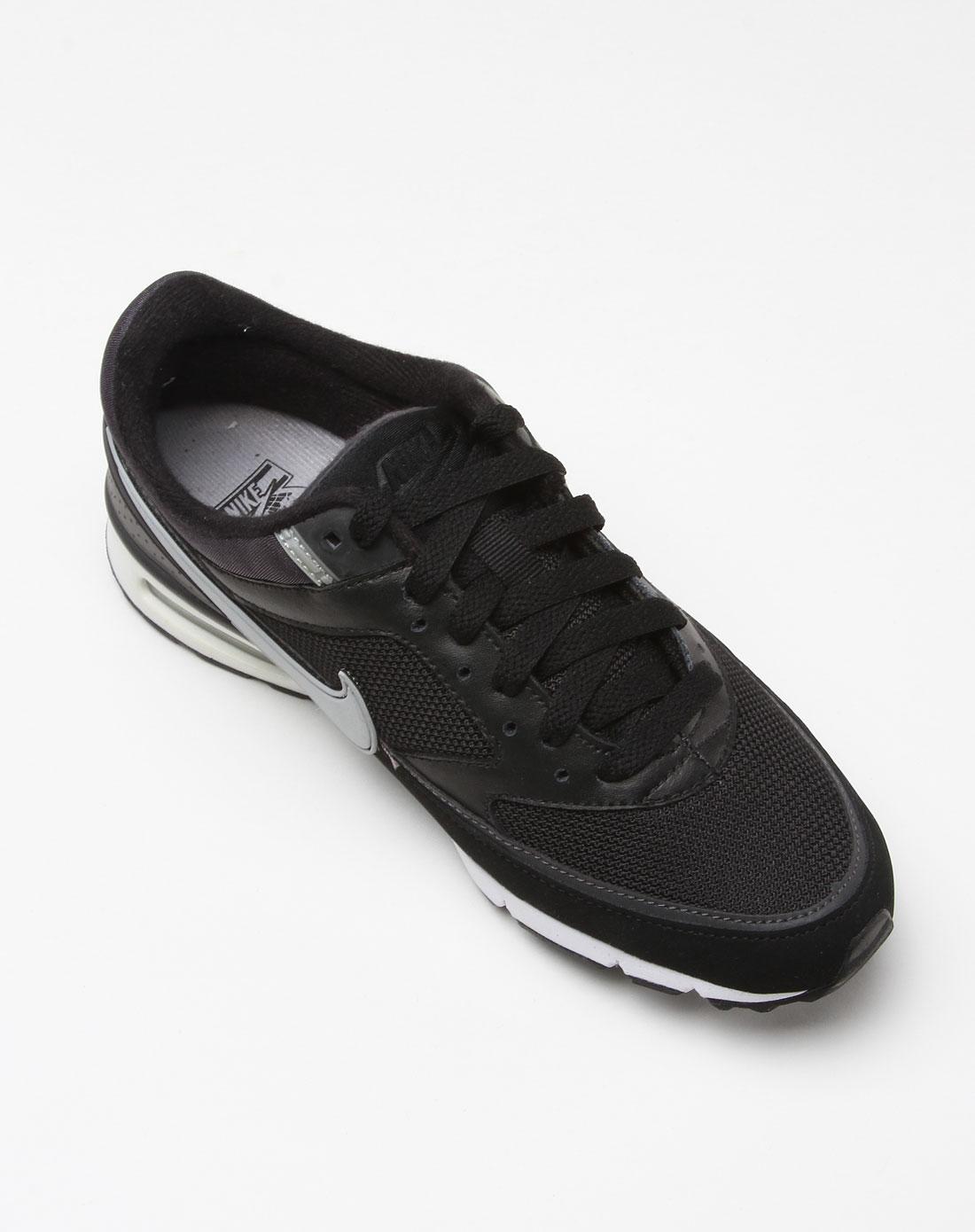 女子时尚动感黑色休闲运动鞋