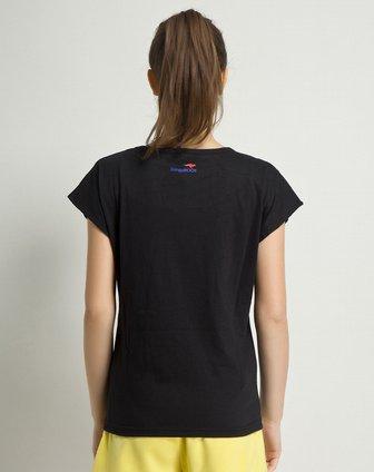 黑色女生t恤