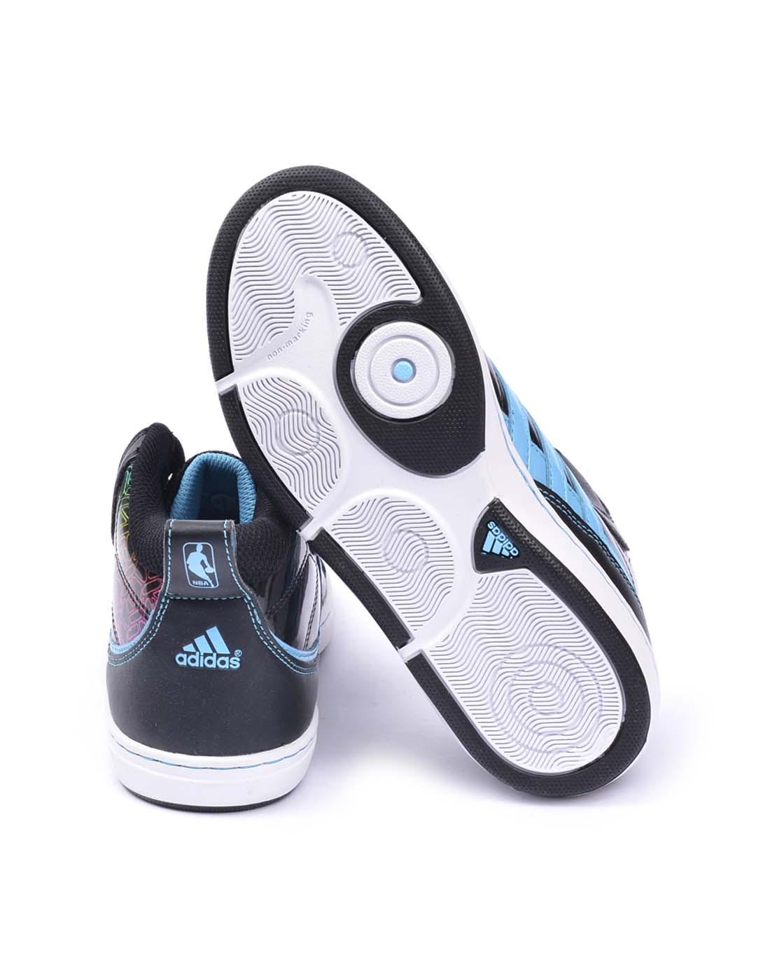 阿迪达斯adidas女子黑色篮球鞋g22442