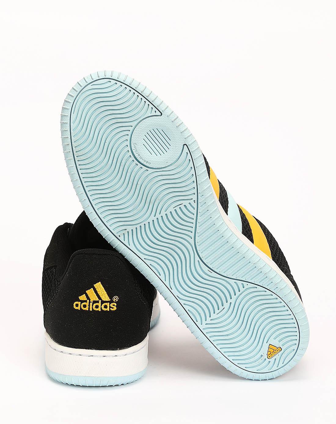 阿迪达斯adidas女子黑色篮球鞋g21229