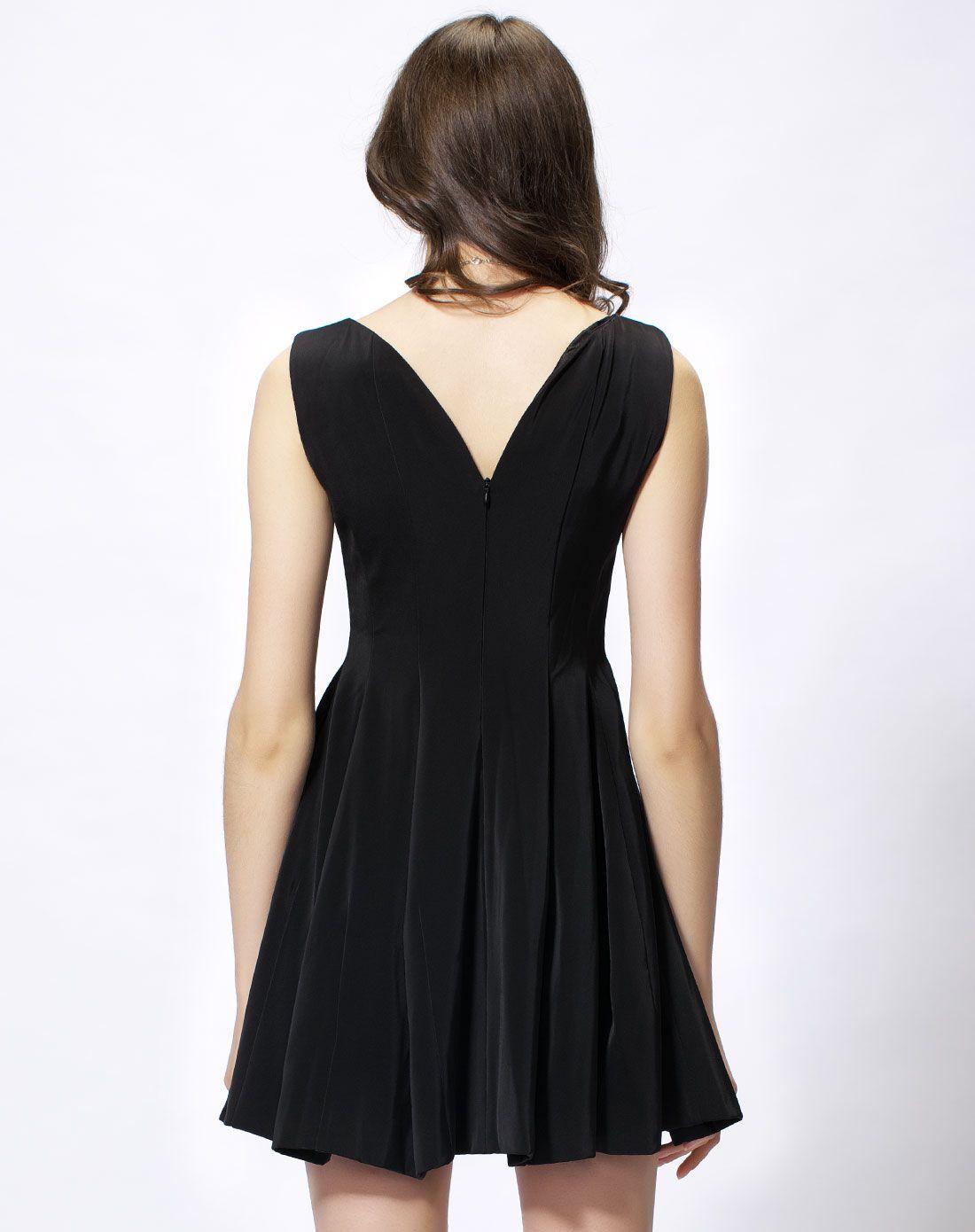 x型连衣裙