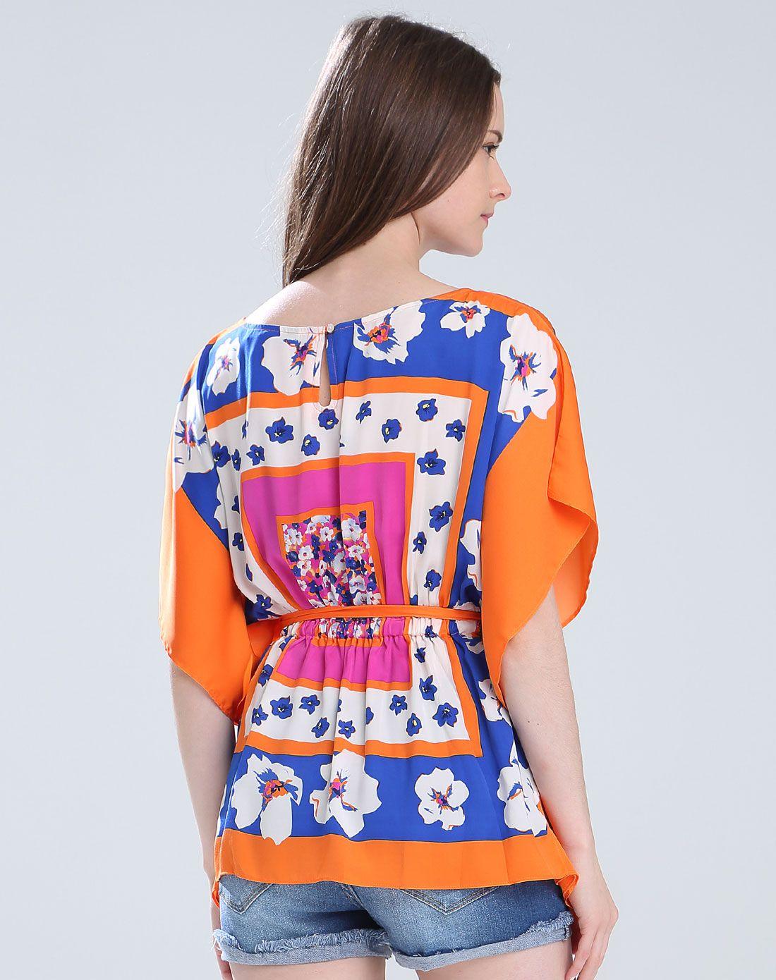 丝巾风情印花变化衬衫