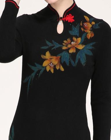 黑色旗袍领手绘羊绒连衣裙