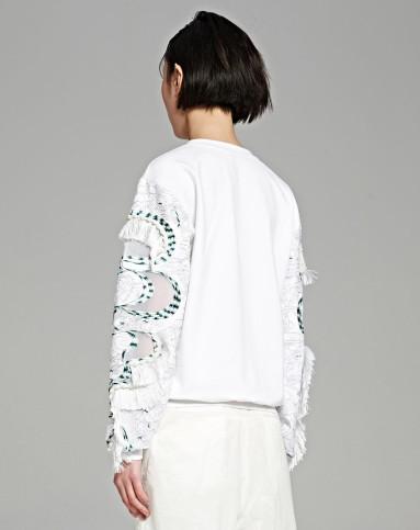 卫衣里面的打底衫白色