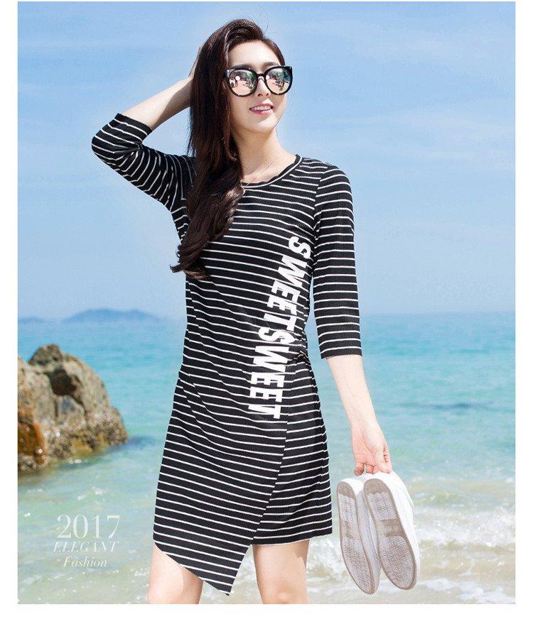 不规则条纹休闲连衣裙黑白条纹