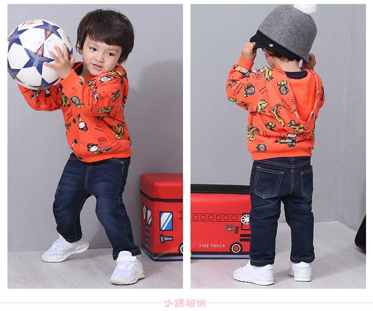 男幼橙红底恐龙花布童带帽针织外套