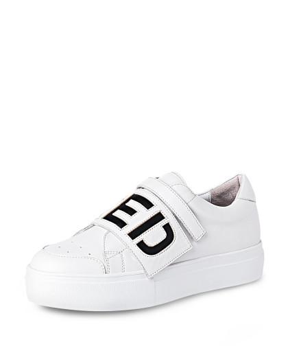 哈森harson集团品牌女鞋17年新款白色羊皮革休闲鞋fs图片