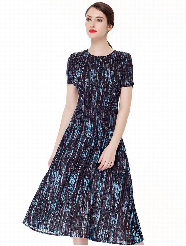 女针织连衣裙克兰条图片