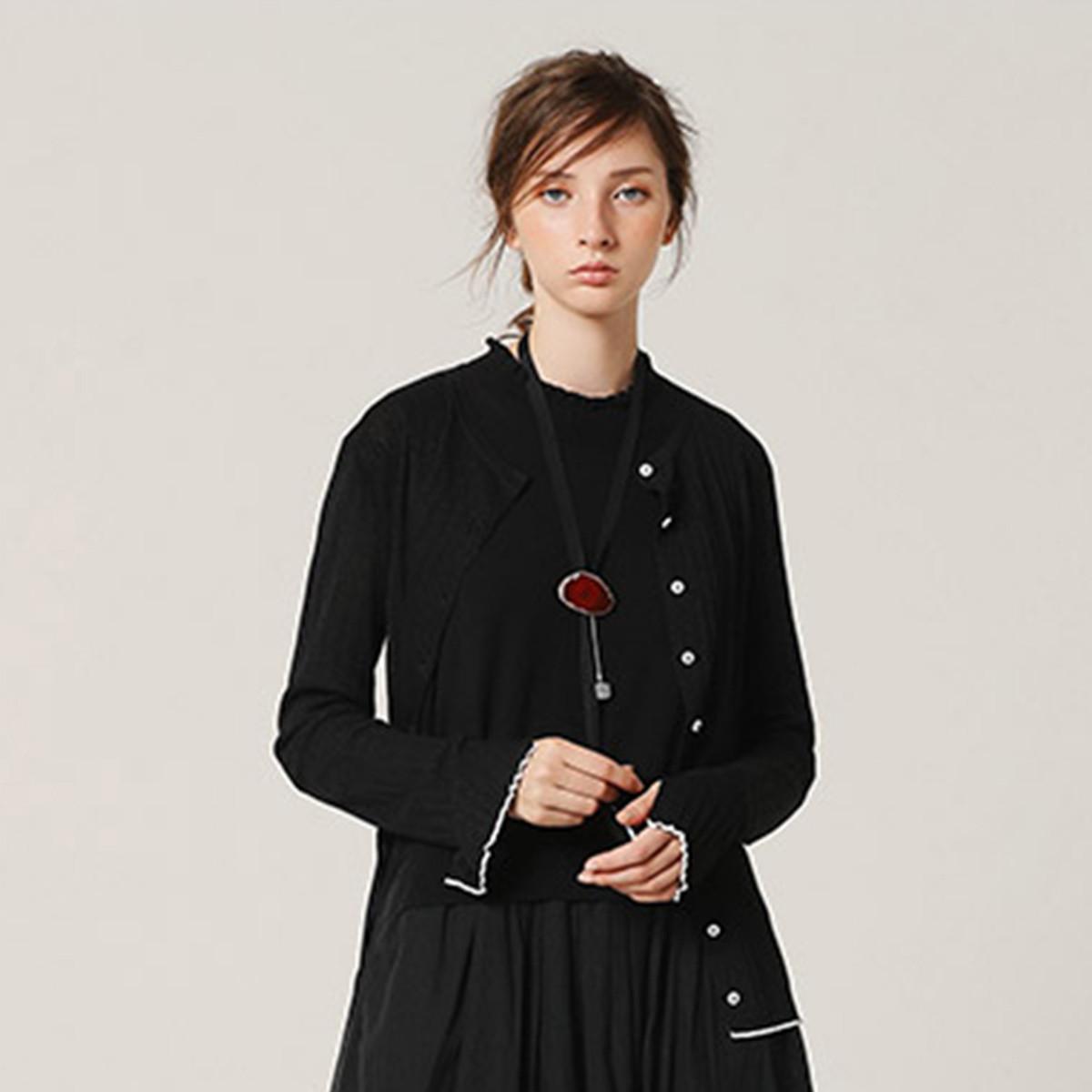 EIN学院风短款针织开衫女舒适轻薄文艺风设计外套秋季新款EIN言EK0203031905