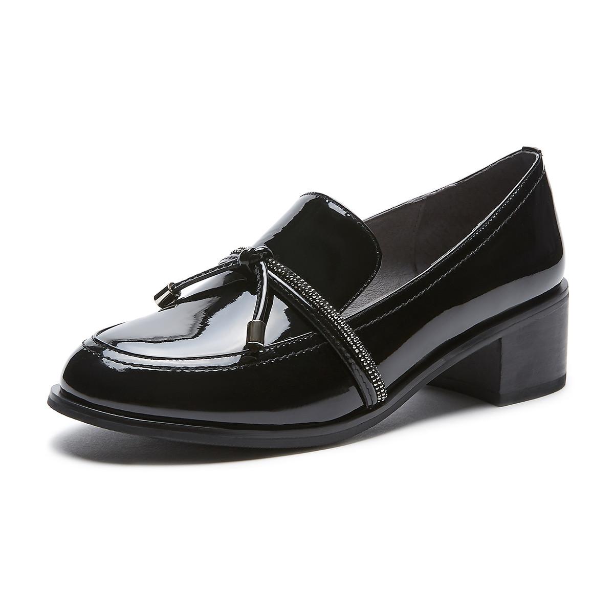 热风商场同款2020年春季新款女士时尚烫钻深口圆头复古粗跟单鞋H008W0130201
