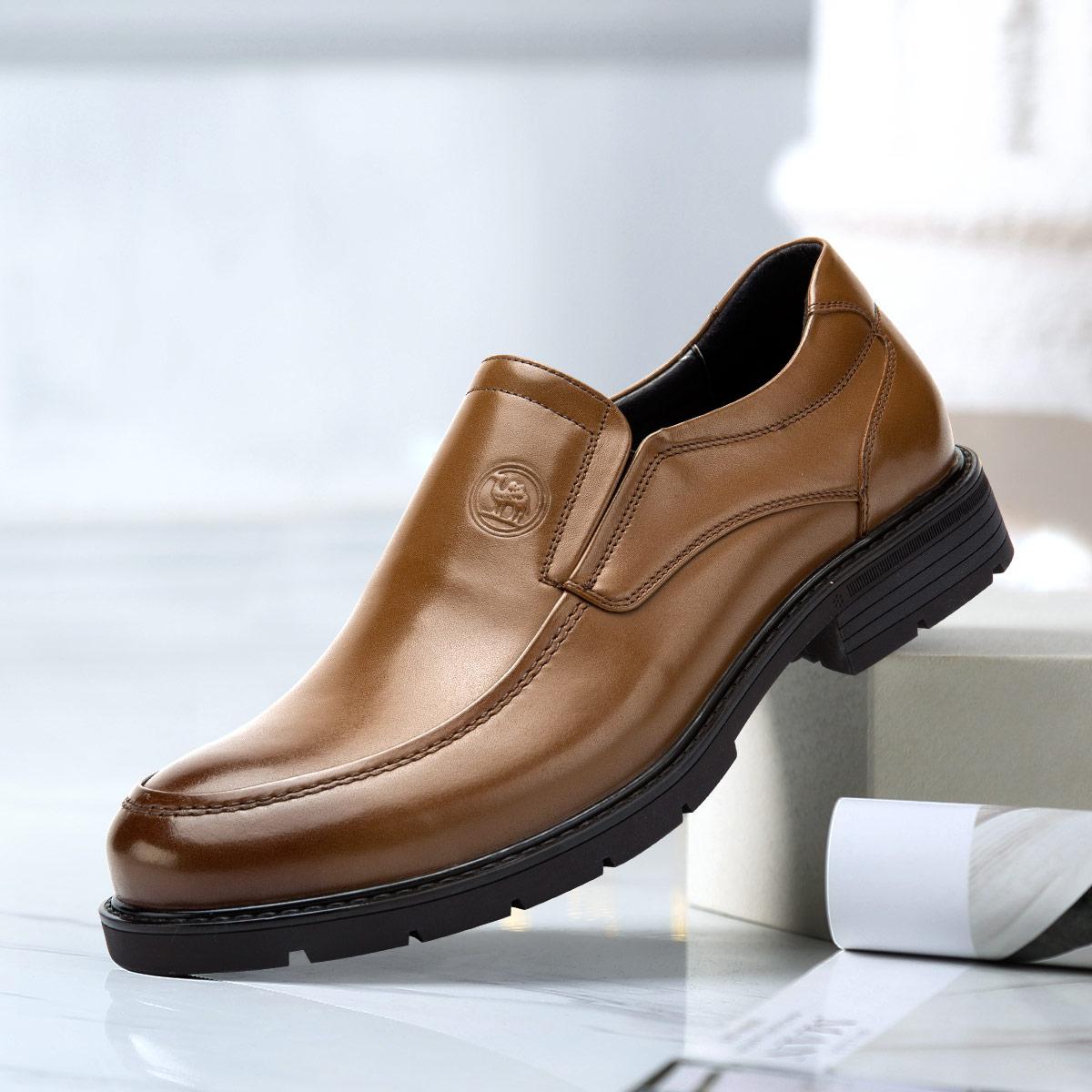 骆驼牌骆驼牌男鞋19秋新款头层牛皮英伦时尚套脚一脚蹬商务鞋休闲皮鞋W915102470ZO