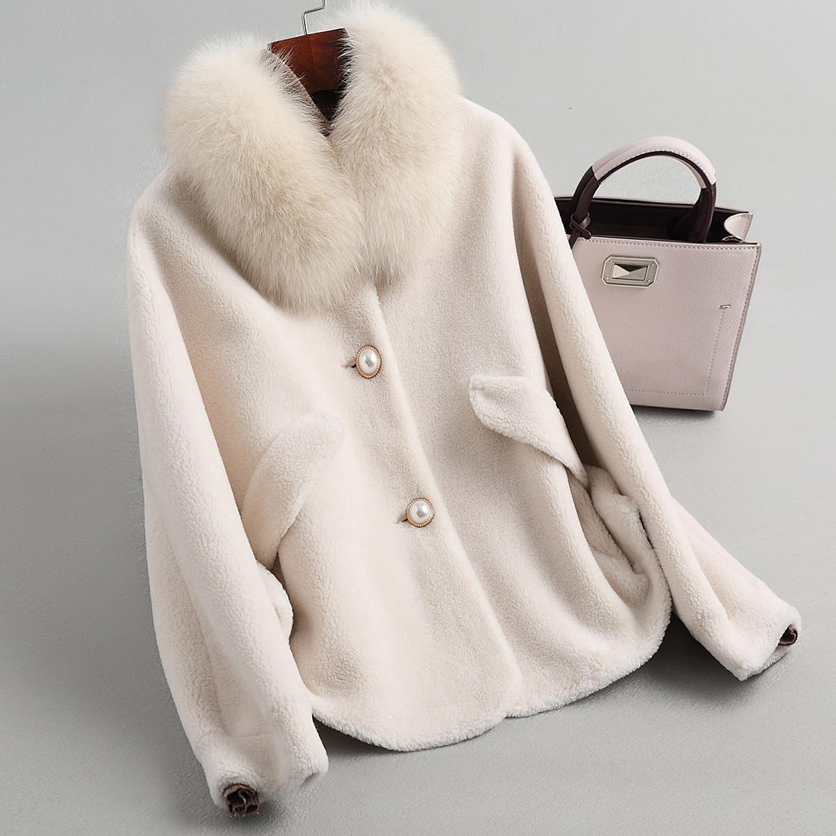 兰奥女式休闲短款复合皮毛一体狐狸毛方领拼接羊毛皮草外套TLR3136白色