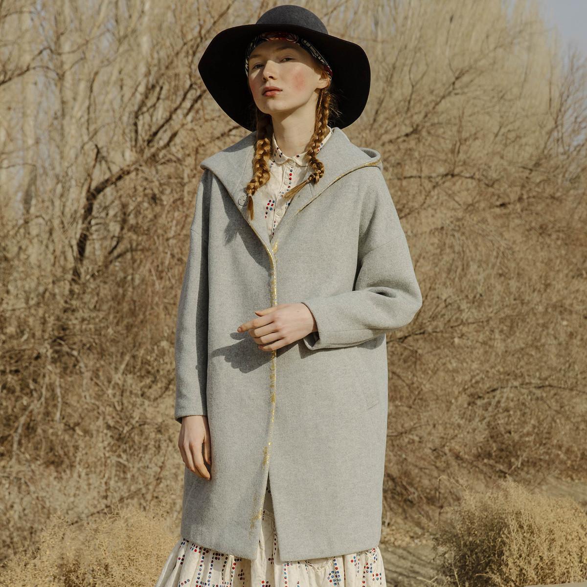 谜底茧型连帽烫金印花呢子大衣女193MD2102G09