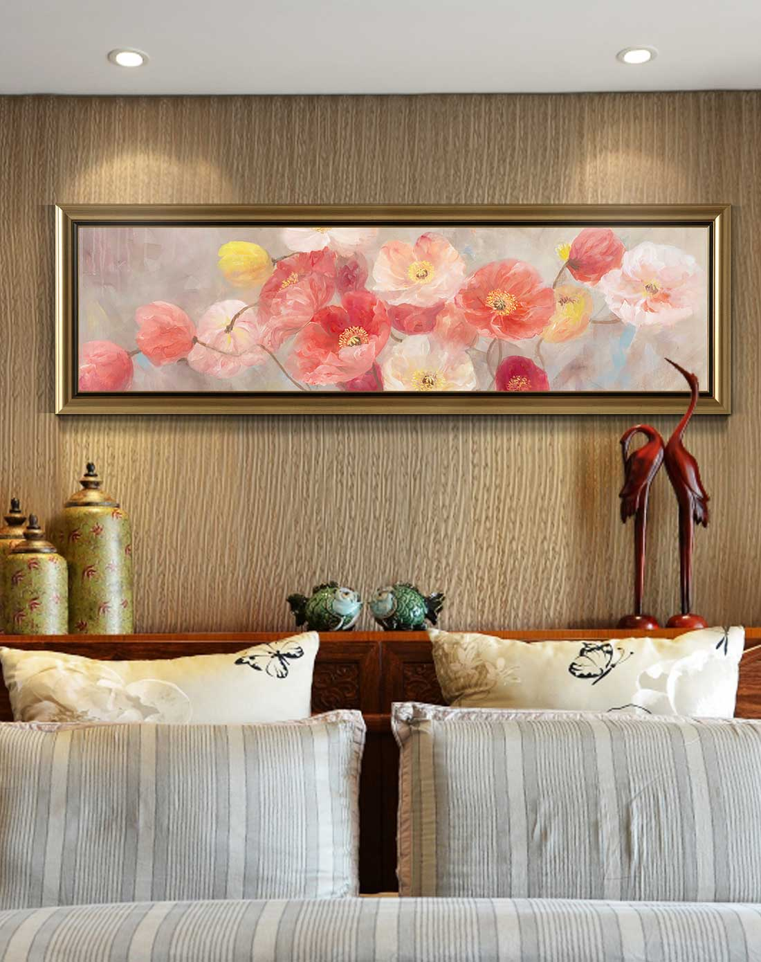 欧式卧室床头背景墙挂画装修效果