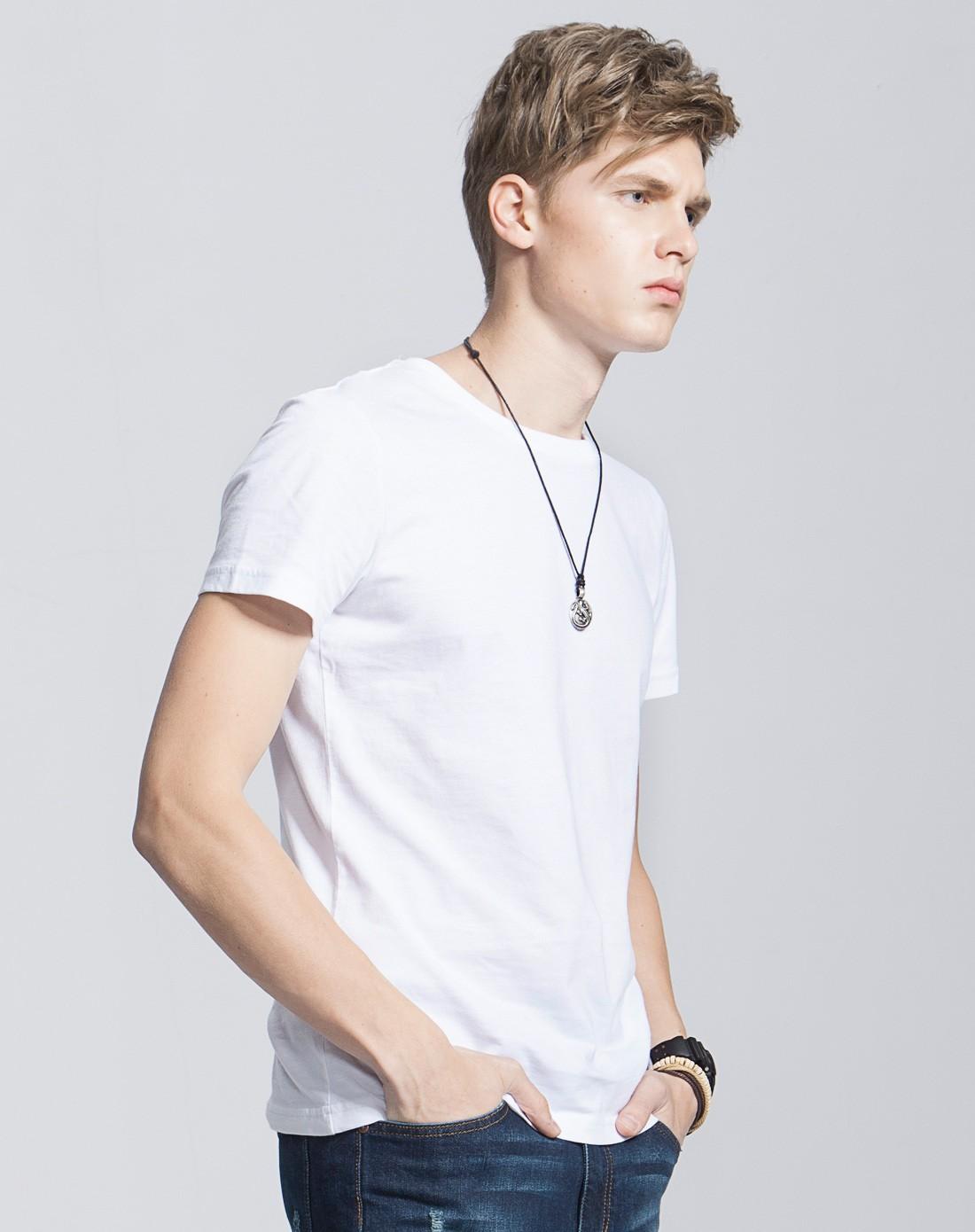 男装特白修身型圆领针织短袖t恤图片