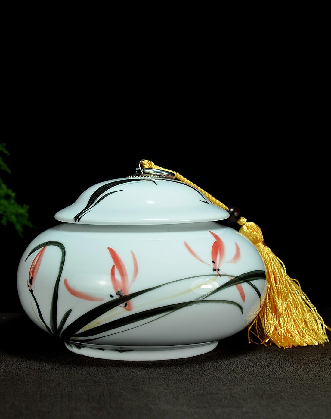 手绘兰茶叶罐