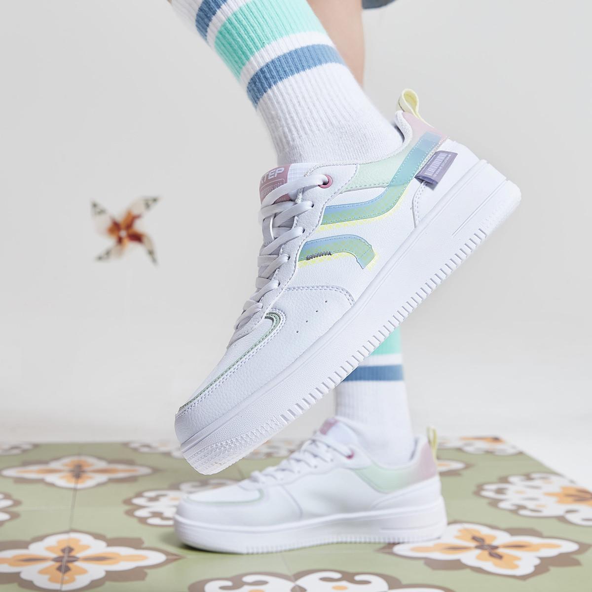 特步2021年新品 学院风板鞋马卡龙色小清新女款休闲运动鞋
