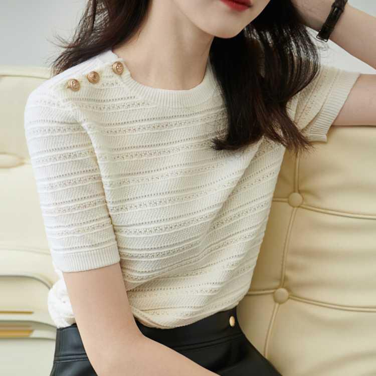 【时尚小复古】柔软单排扣T恤肩章针织短袖女式针织短袖上衣女